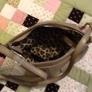 Gorgeous like new condition cross body!